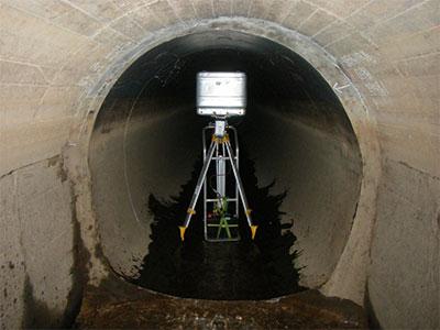 トンネル断面測定状況